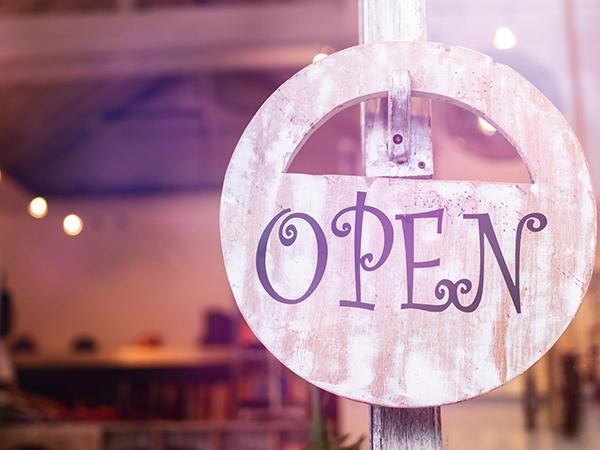 A Sant'Ambrogio siamo aperti!